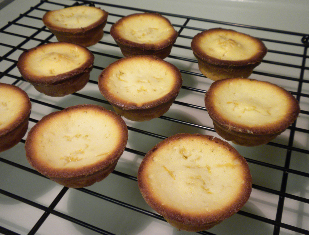 Miyoko-Eats-Lemon-Cakes-on-the-cooling-rack
